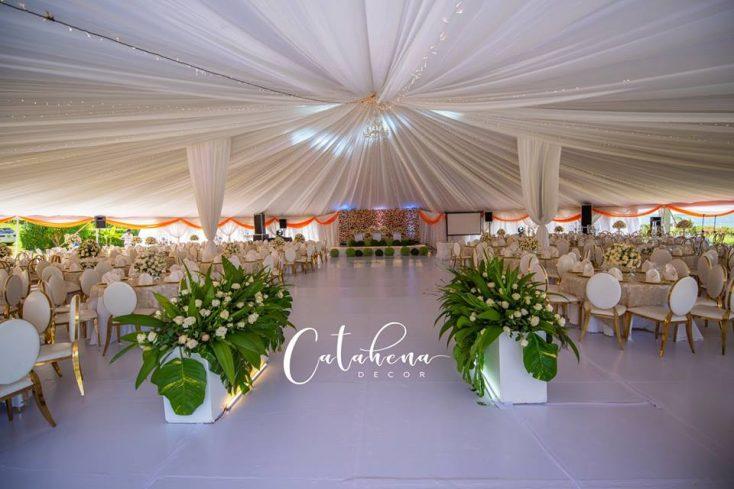 Abbey and Lelia's wedding decor via mikolo.com