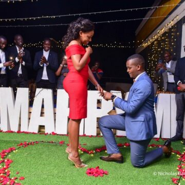 Canary proposes to Sasha Ferguson via mikolo