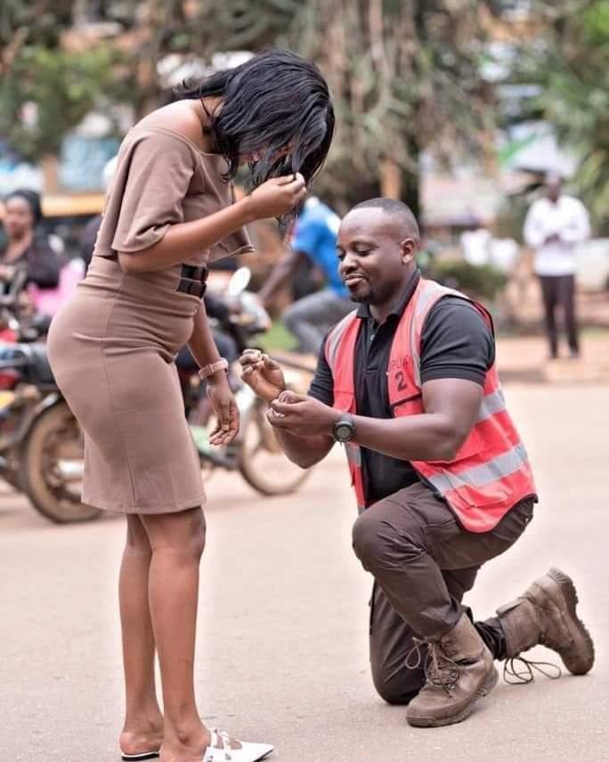 Sam proposes to Hope via mikolo