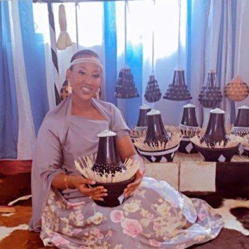 Victoria Bagaya via mikolo